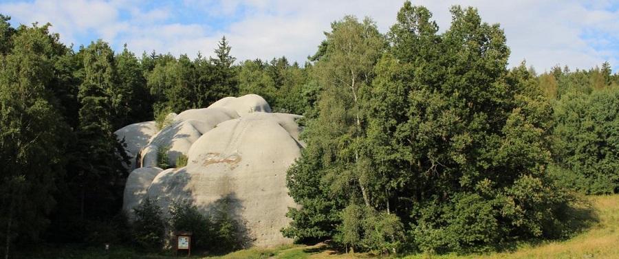 slon_kameny
