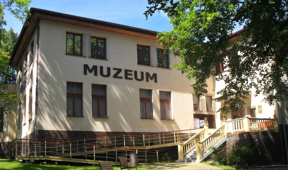 budova_sldekova_muzea_-_bval_editelsk_vila_ps___foto_svmk